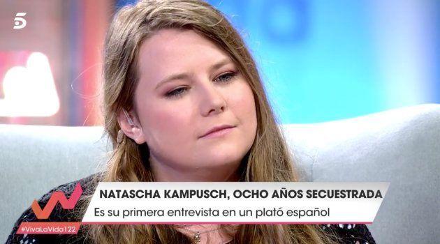 Multitud de comentarios por cómo ha despedido Toñi Moreno a Natascha Kampusch en 'Viva la