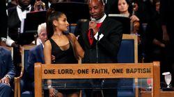 El obispo del funeral de Aretha Franklin se disculpa por manosear a Ariana