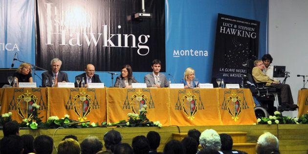 Un momento de la visita de Hawking al IES Rosalía de