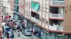 La protesta contra unos vecinos conflictivos acaba en una batalla campal en