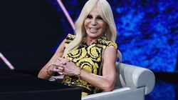 Donatella Versace afirma que la marca dejará de usar pieles en sus
