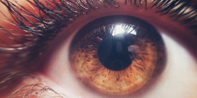 Si tienes los ojos marrones te vas a venir muy arriba con