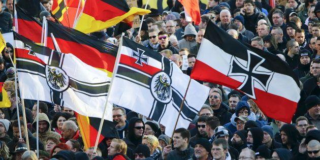 Seguidores del movimiento antiinmigrantes alemán