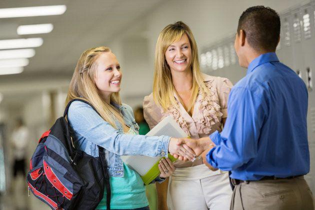 Qué hacer si el profesor de tu hijo no cumple tus