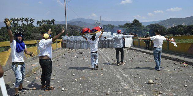 Enfrentamientos en Cúcuta (Colombia), en la frontera con