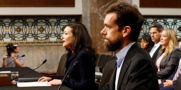 Jack Dorsey y Sheryl Sandberg, testificando este miércoles en el Senado de
