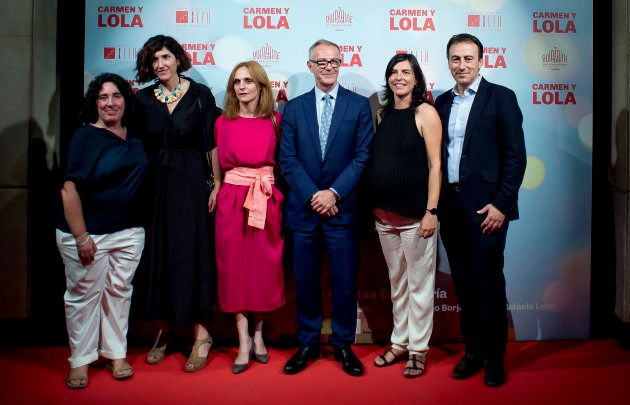 Echevarría junto al Ministro de Cultura José Guirao y el resto del equipo de la película en la presentación...