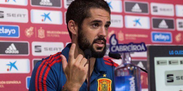 Isco se niega a responder a Diego Torres, periodista de 'El País':