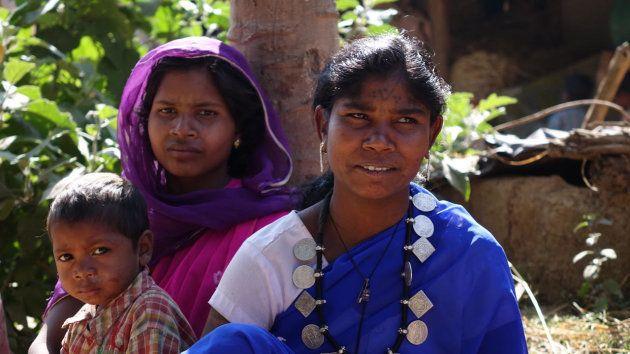 Los pueblos tribales de la India son los mejores conservacionistas y veneran al tigre, pero son violentamente...
