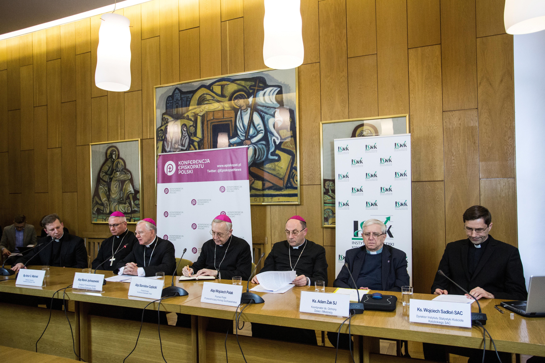 Πολωνία: Σεξουαλική κακοποίηση 382 ανηλίκων από κληρικούς την τελευταία