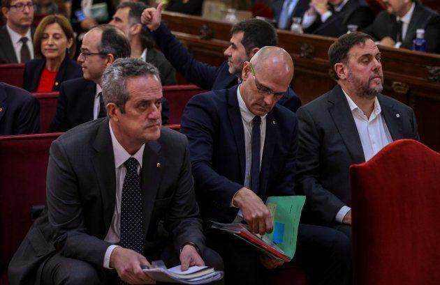 De izquierda a derecha: Joaquim Forn, Raül Romeva y Oriol Junqueras, en una de las sesiones del