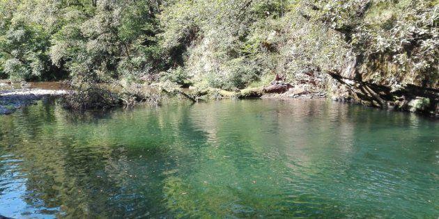 Mueren dos personas al caer a un río de Cantabria cuando hacían fotos en la