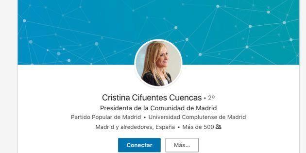 No te imaginarás lo que Cristina Cifuentes ha olvidado incluir en su perfil de