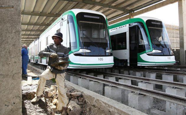 Construcción de un metro en Etiopía, un proyecto financiado con fondos