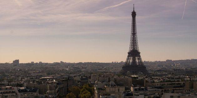 La increíble foto de la Torre Eiffel de París desde un
