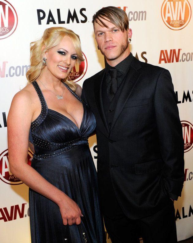 Stormy Daniels y su actual marido, Brendon