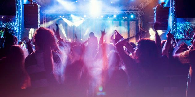 Una joven denuncia que le negaron el paso a una discoteca
