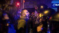Momentos de tensión entre Mossos y manifestantes ante la Delegación de Gobierno en