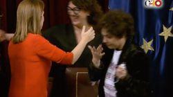 Una diputada de Podemos llora tras el discurso de despedida de Ana Pastor en el