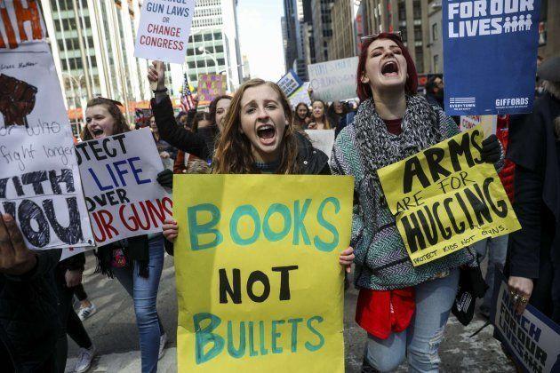 Un millón de estudiantes reclaman un mayor control de acceso a armas en