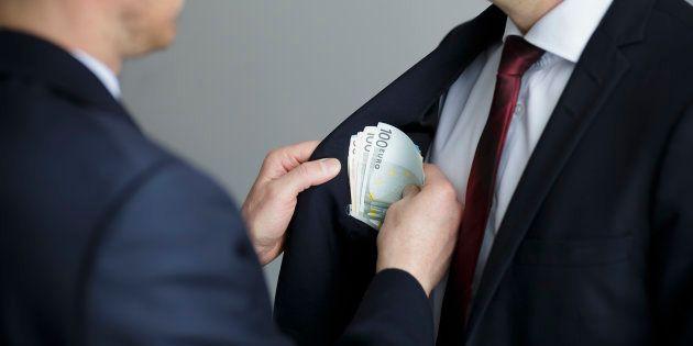 España, entre los países que investigan poco o nada los sobornos de sus empresas en el