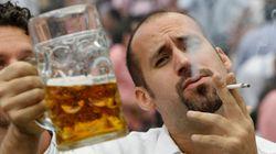 Los europeos viven cada vez más a pesar de su elevado consumo de tabaco y