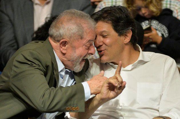 Lula da Silva y Haddad, en un acto político en Sao Paulo, en