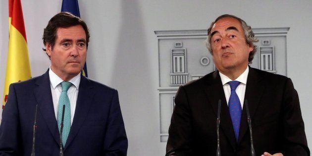 Antonio Garamendi, presidente de Cepyme, y Juan Rosell, presidente de la CEOE, en el Palacio de La