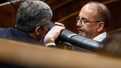 El PSOE y el PDeCAT pactan una moción que insta al diálogo en Cataluña dentro de la