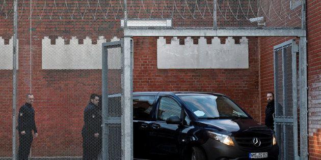 Puigdemont seguirá detenido en Alemania mientras se estudia la