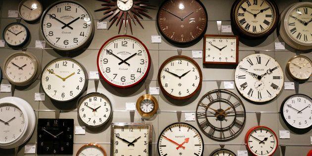 Relojes en la tienda John Lewis de White City, Londres, en una imagen de