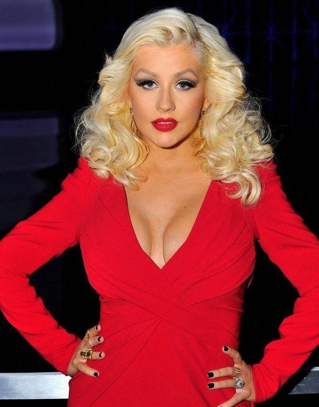 Christina Aguilera sorprende sin maquillaje en una sesión de