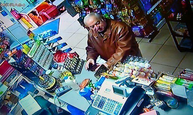 Imagen de Sergei Skripal tomada en el centro comercial en el que empezó a notar los síntomas del agente