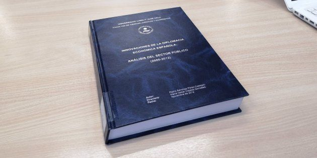 Portada de la tesis doctoral del presidente del Gobierno, Pedro Sánchez, que se encuentra en la Universidad...