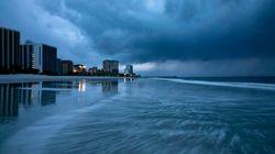 'Florence' se debilita antes de tocar tierra pero inunda Carolina del Norte y del