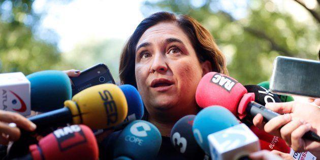 La alcaldesa de Barcelona, Ada Colau, atendiendo a los medios el pasado 11 de septiembre, en el acto...