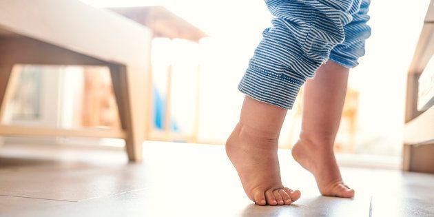 Hospitalizado un niño de dos años por el maltrato de su madre y su
