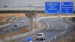 Otras dos autopistas rescatadas: Fomento asume el control de dos tramos de la
