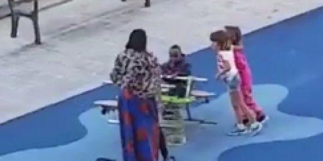 La agresión racista de varios menores a un niño negro en un parque indigna en las redes