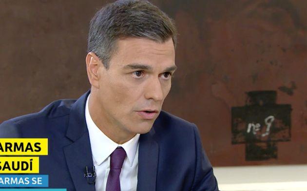 Sánchez reconoce que su ministra Robles no vio el impacto de paralizar la venta de bombas a