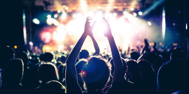 Ir a conciertos puede hacerte vivir