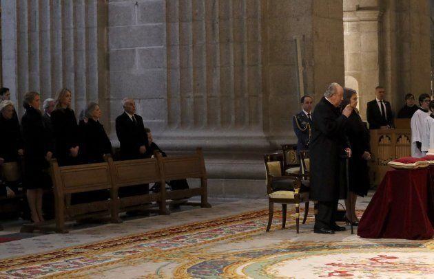La infanta Cristina asiste a la misa por don Juan que presiden los