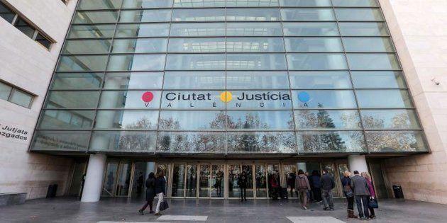 Fachada del edificio principal de la Ciudad de la Justicia de Valencia, en una imagen de