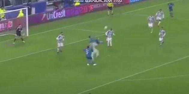El gol de Cristiano Ronaldo que no te cansarás de