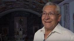 Un jubilado mexicano pinta los frescos de la Capilla Sixtina en una humilde iglesia de