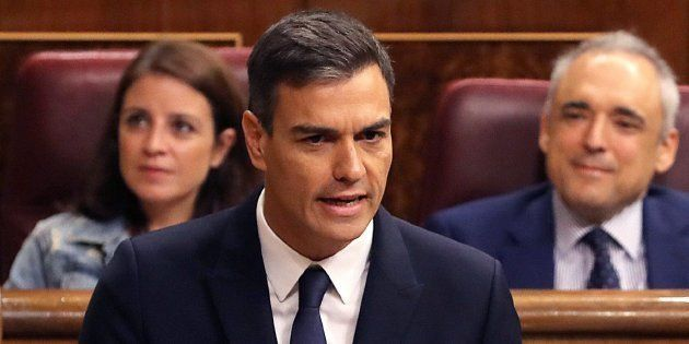 Sánchez confirma que el Gobierno aprueba el viernes la reforma constitucional para eliminar aforamientos...