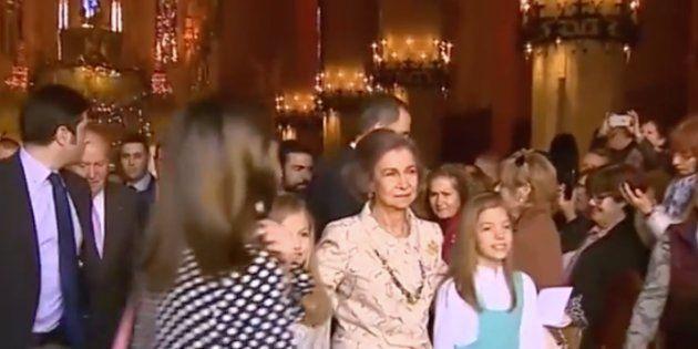 ¿Qué ocurrió en los instantes previos al rifirrafe entre la reina Letizia y doña