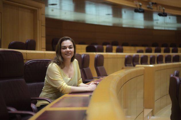 La senadora, hija de una 'Kelly', que llevó hasta La Moncloa las voces de las camareras de