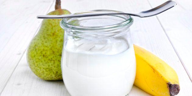 El contenido de azúcar de la mayoría de los yogures de supermercado, muy por encima del umbral