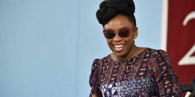 Chimamanda Ngozi Adichie, durante una charla en Harvard el 23 de mayo de